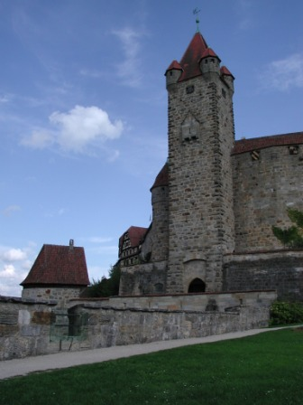 A view towards the Red Tower from the Bear's bastion